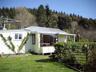 Forest Hill Cottage, 22 Reid Road, Waianakarua, Oamaru #1369: From $130.00 per night