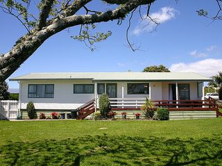 Waihi Getaway (Bachcare) Citrus Avenue, Waihi Beach: From  $160.00 pe right - 2 night minimum stay
