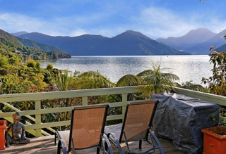 Mahakipawa Hideaway, Queen Charlotte Drive, Havelock (Bachcare) From $60.00 - $305.00 per night