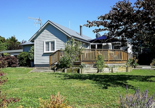 Watson Cottage, Watson Road, Hastings City (Bachcare) From $245-$380 per night