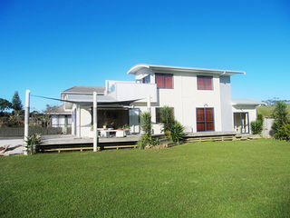 Three Fishes, 138 State Highway 10, Coopers Beach, Mangonui #1341 From $195.00 per night