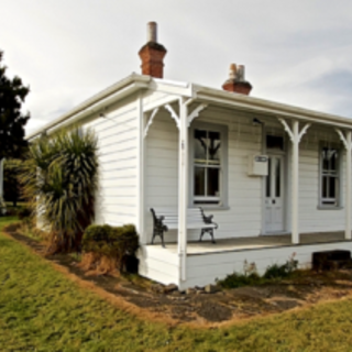 The Miners Cottage, Railway Row, Ohakune (Bachcare) From $125.00 per night