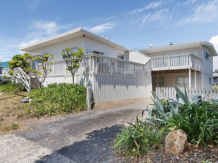 Broadway at the Beach (Bachcare) Broadway Road, Waihi Beach:  2 night minimum stay