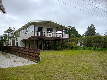 Cruise at Cooks, Captain Cook Road, Cooks Beach (Bachcare) From $185.00 - $365.00 per night