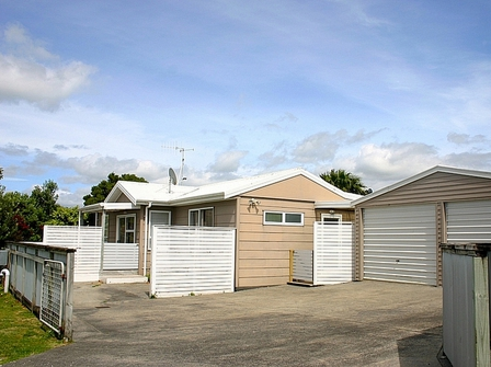 Dillon Delight, Dillon Street, Waihi Beach (Bachcare): From $180.00 - $295.00 per night - 2 night minimum stay