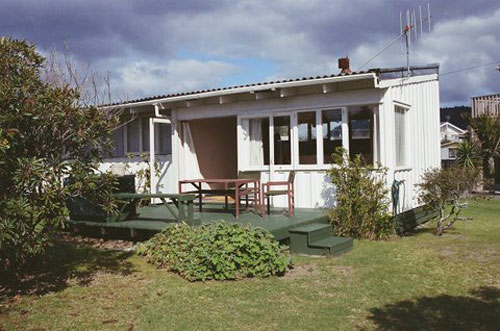 Hibiscus Cottage (Bachcare): Whangamata - From $115.00 - $210.00 per night: 2 night minimum stay