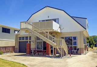 Mercury Bay Magic, Cook Drive, Whitianga  (Bachcare) From $210.00 - $390.00  per night