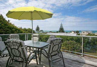 Dillion Oasis, Dillon Street, Waihi Beach (Bachcare) From $135.00 - $265.00 per night