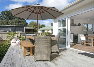 The Waihi Beach House, Wilson Road, Waihi Beach (Bachcare) From $185-$445 per night