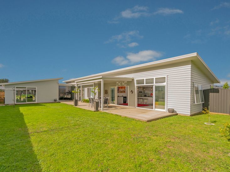 The Summer Stunner, Alf Simpson Drive, Whitianga (Bachcare)