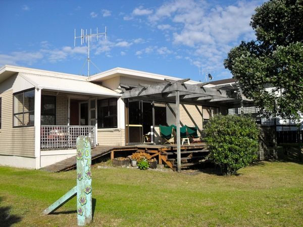 Vintage Pohutukawa (Bachcare) Seaview Road, Whangamata - From  $175.00 - $405.00 per night