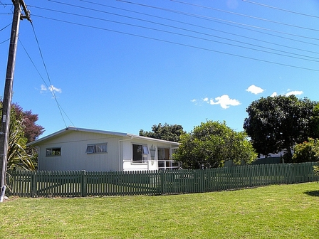 Whiti Stay, Cook Drive, Whitianga (Bachcare): From $125.00 - $205.00 per night - 2 night minimum stay