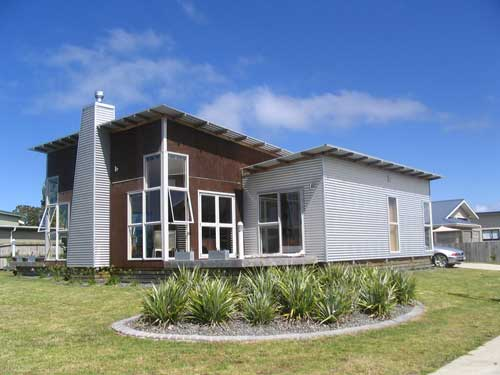 Whiti Beach Bach (Bachcare): Whitianga - From $170.00 per night: 2 night minimum stay