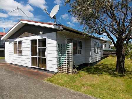 Works End, Otahu Road, Whangamata (Bachcare) From $105.00 - $380.00 per night: 2 night minimum stay
