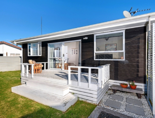 The Black Bach (Bachcare) Carysfort Street, Mt Maunganui: From $195.00 per night