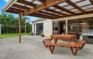 Family Friendly Beach House, Dickson Road, Papamoa, Tauranga (Bachcare)
