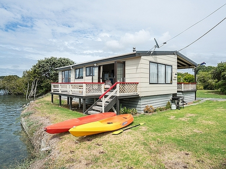Absolute Waterfront Bach (Bachcare) Princes Road, Ruakaka,  Bream Bay: 2 night minimum stay