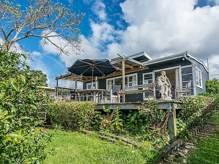 Coastal Cutie (Bachcare) Cove Road, Langs Beach,  Bream Bay: From $170.00 - $335.00 per night - 2 night minimum stay