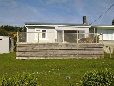 Rowan's Retreat (Bachcare) Wairahi Road, Langs Beach, Waipu: From $205.00 - $305.00 per night