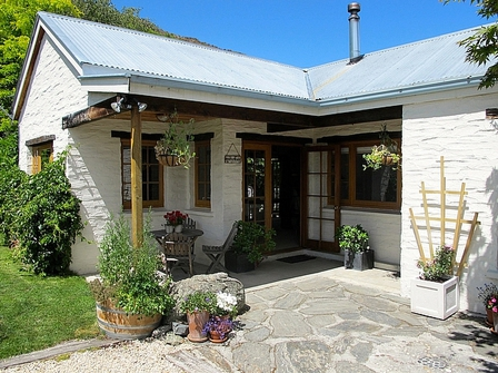 Arrow River Cottage, Nairn Street, Arrowtown (Bachcare) From $235.00 - $460.00 per night - 3 night minimum stay