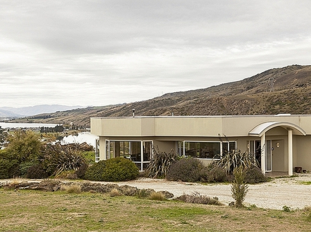 Cornish Points Heights (Bachcare) Cornish Point Road, Cromwell - 2 night minimum stay