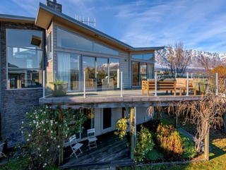 Lake Views on Yewlett (Bachcare) Yewlett Cres, Queenstown: From $425.00 - $560.00 per night