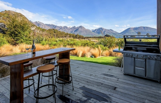 Lookout Retreat, Lookout Drive, Queenstown (Bachcare) From $395-$750 per night