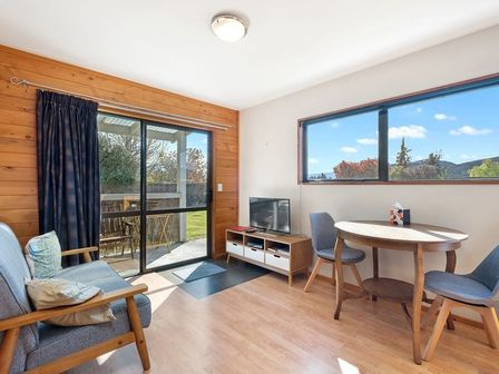 Wonderful in Wanaka Studio, Anderson Road, Wanaka (Bachcare)