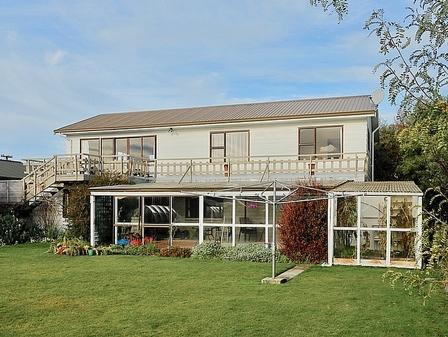 Murchison Mount View, Matai Street, Te Anau, Fiordland (Bachcare) From $210-$355 per night