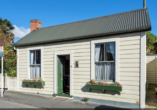 Baxters Cottage (Bachcare) South Street, Nelson: From $250.00 - $350.00 per night
