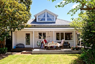 Evergreen Cottage (Bachcare) Wairarapa Terrace, Christchurch: From $140.00 - $220.00 per night