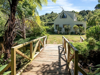 Streamside Retreat, Woodills Road, Akaroa (Bachcare)