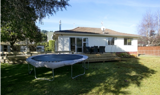Great Lake Bach, Irwin Place, Kinloch, Lake Taupo (Bachcare) From $165.00 - $255.00 per night