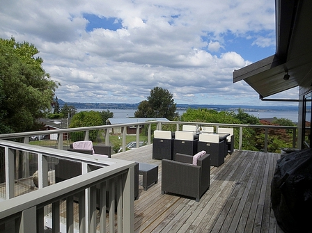 Cosy Stay (Bachcare) Isobel Street, Acacia Bay,  Lake Taupo: 2 night minimum stay