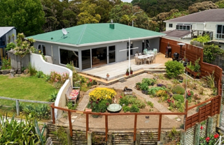 Captain's Quarters (Bachcare) Sir George Back Road, Opua: From $225.00 per night