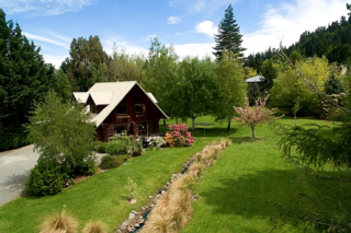 Squirrel Lake Log Cabin (Bachcare) Chalet Crescent, Hanmer Springs: From $170.00 per night