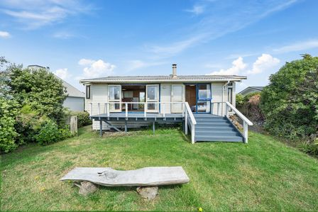 The Beachsider, Rodney Avenue, Te Horo Beach (Bachcare)
