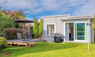 Kapiti Hideaway ( Bachcare) Percival Road, Paraparaumu Beach: From $100.00 per night