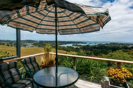 Keweloa Heights, Junction Road, Oneroa (Bachcare) From $194-$399 per night