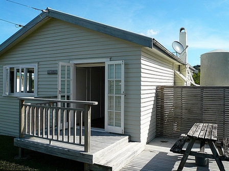 Ridge Cottage, Ridge Road, Oneroa (Bachcare) From $165.00 - $285.00 per night - 2 night minimum stay