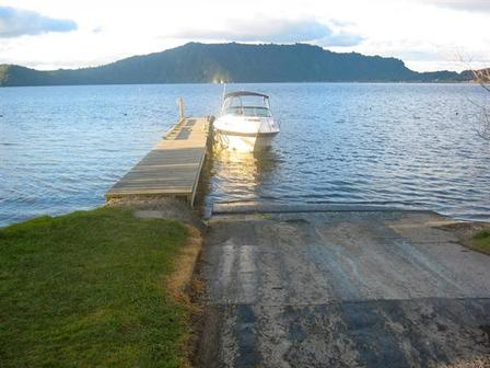 Fantail Cottage (Bachcare), Aoturoa Ave, Rotoiti Forest, Lake Rotoiti: From $130.00 per night