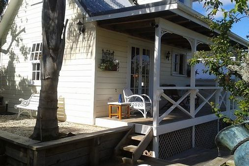 Harbour View Cottage B&B, 14 Harbour View Terrace Onehunga  #1302