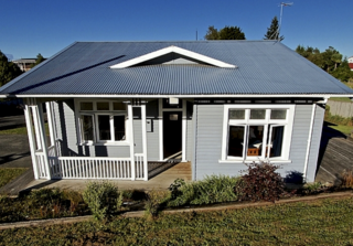 Cole Cottage, Foyle Street, Ohakune (Bachcare) From $150.00-$375.00 per night